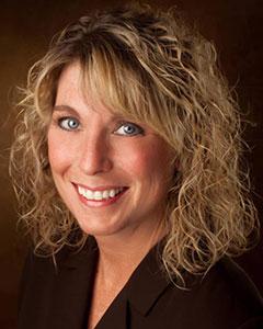 Julie Becker headshot